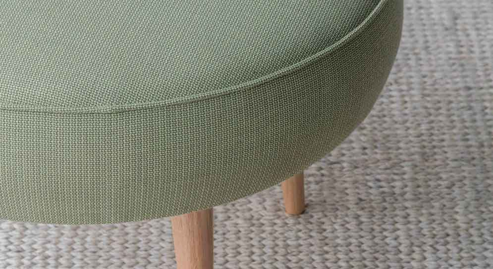Tonic-JustThe-Soutwood-Ottoman-Armadillo-Rug-A263_INSTYLE_SEPTEMBER2015_12-Low-Res-995x544-0